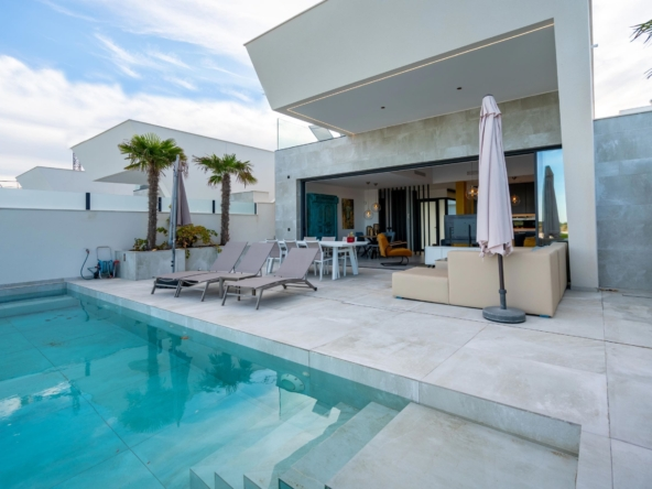 image Villa contemporaine vue mer