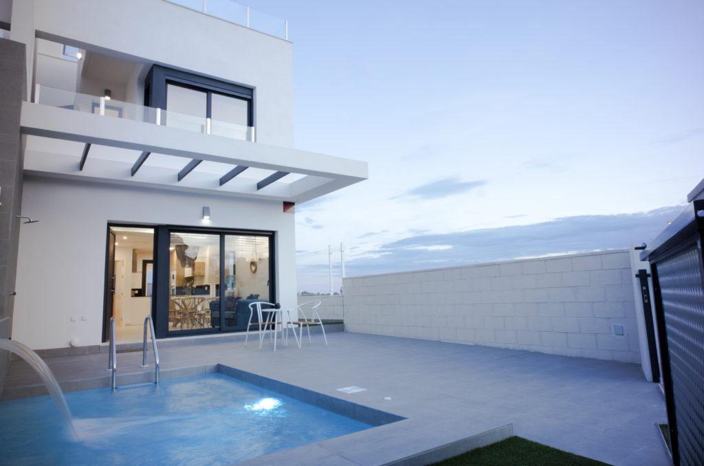 image Maison à vendre à Villamartin Alicante